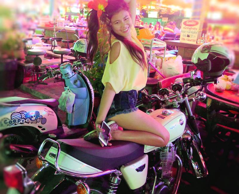 Kwan and the Yamaha SR400 motorcycle